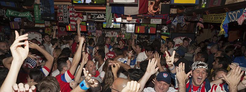 Buffalo Wings in Sports Bars